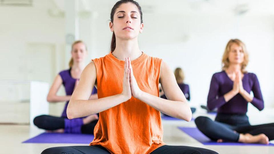 حرکات یوگا برای رفع گودی کمر